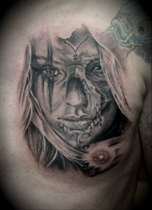 Tattoo Portrait Frau Tribal